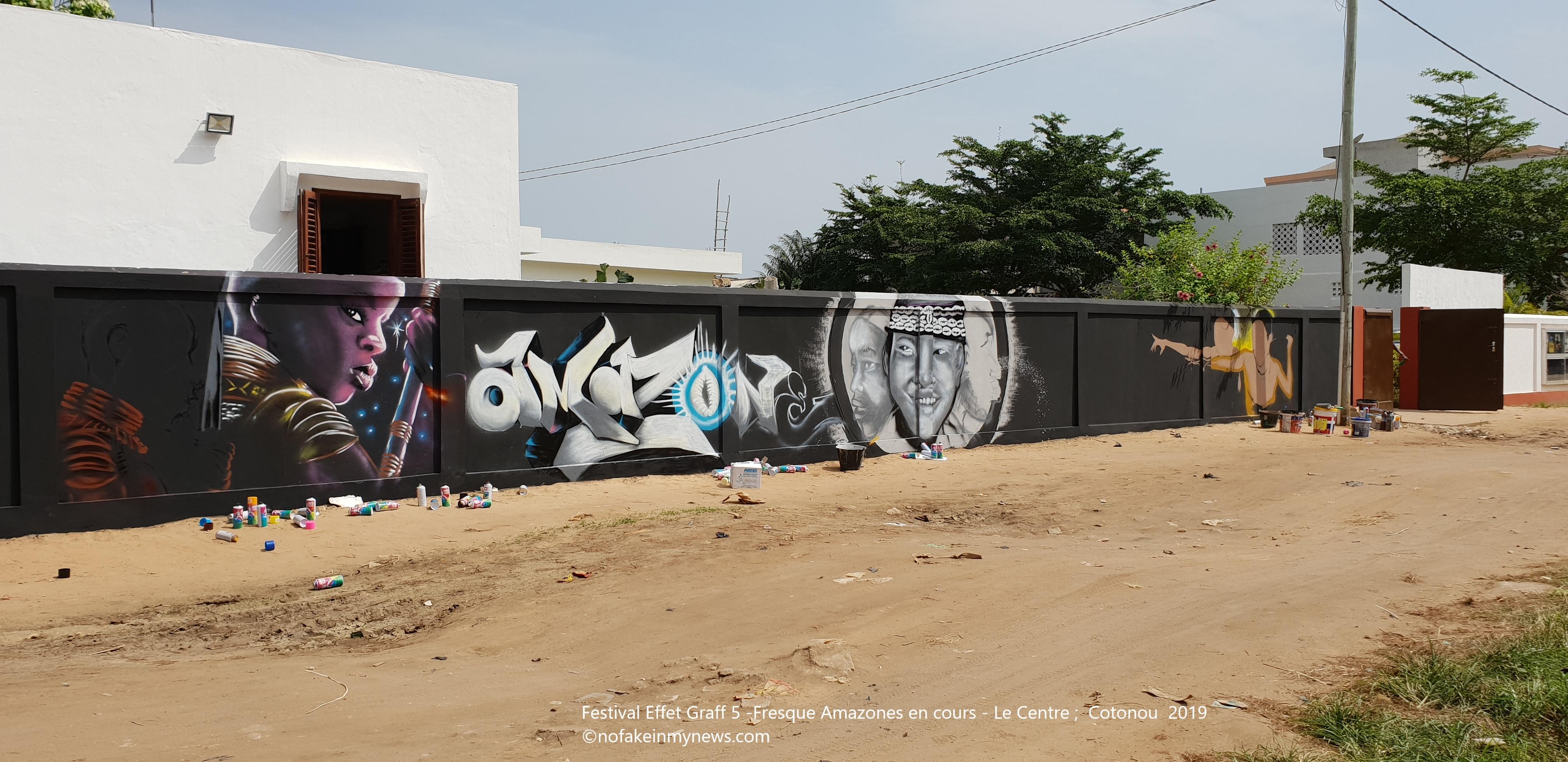 Festival Effet Graff 5 -Fresque Amazones en cours - Le Centre Cotonou 2019 - ©nofakeinmynews