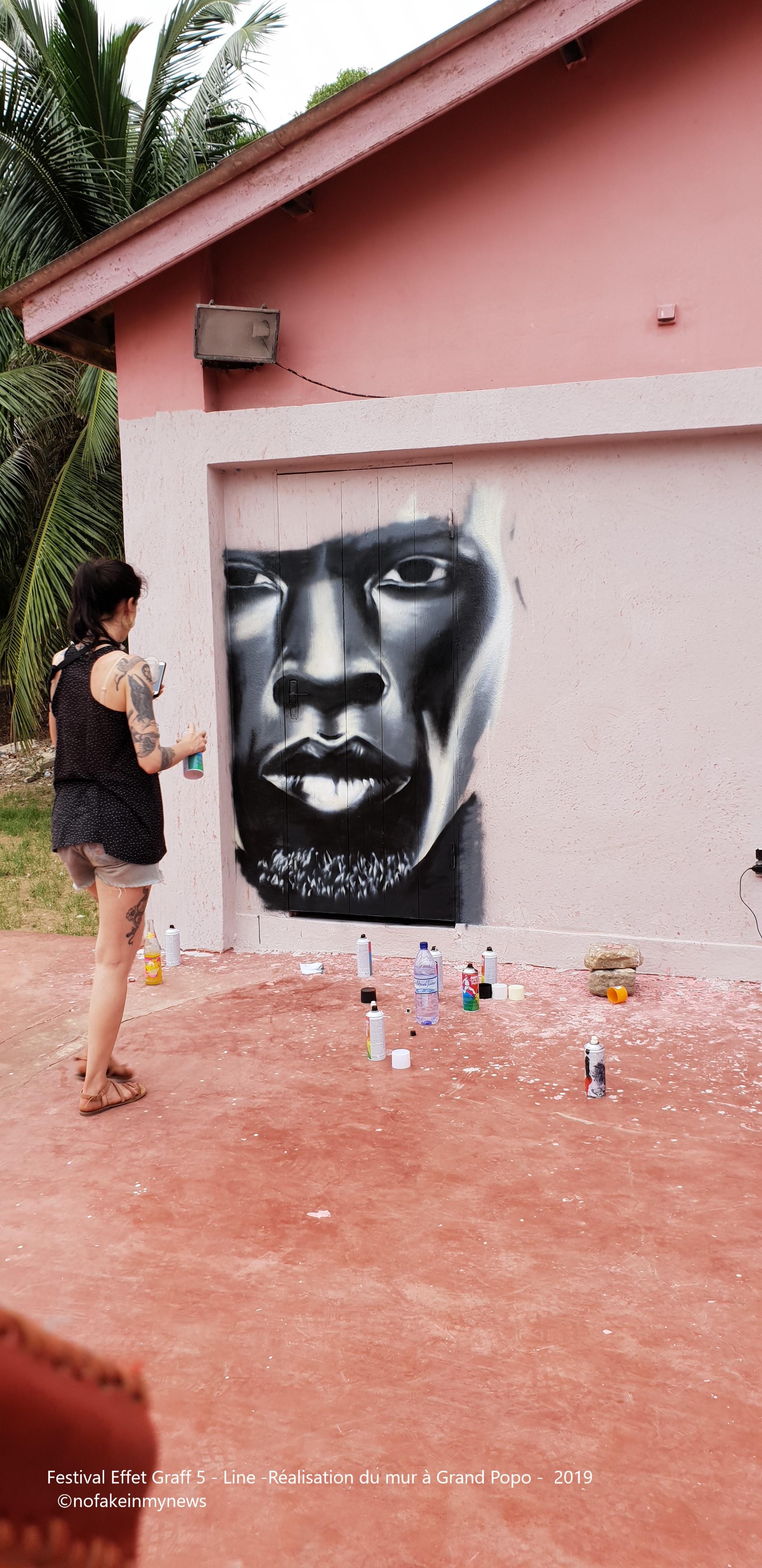 Festival Effet Graff 5 - Line -Réalisation du mur à Grand Popo - 2019 - ©nofakeinmynews