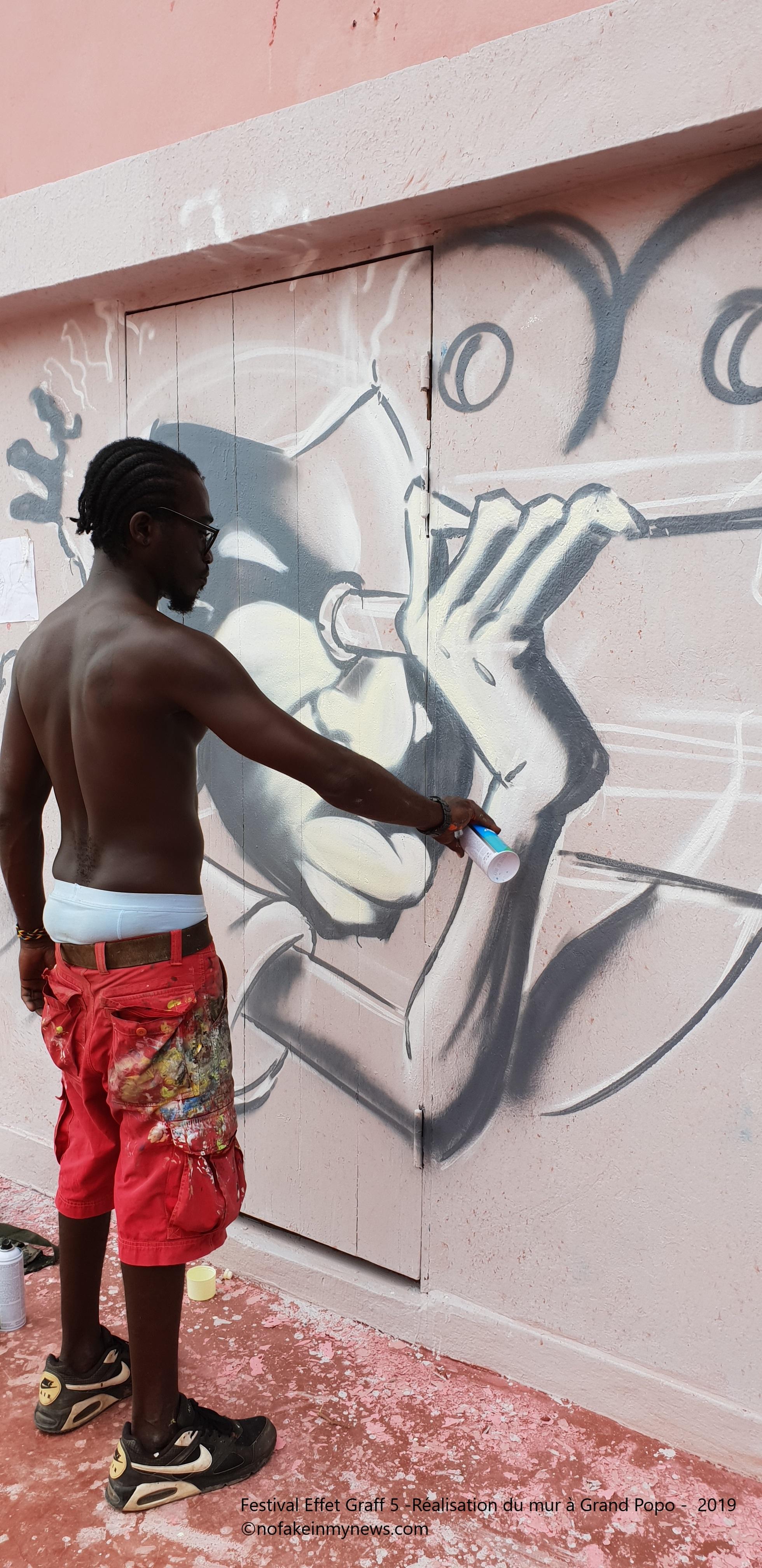 Festival Effet Graff 5 -Réalisation du mur à Grand Popo - 2019 - ©nofakeinmynews