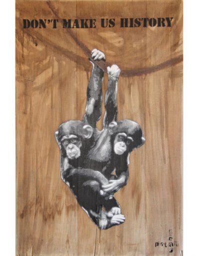 Chimpanzés par POLARBEAR - Aérosol et brou de noix sur bois - 2019 - ©Association Art'Murs