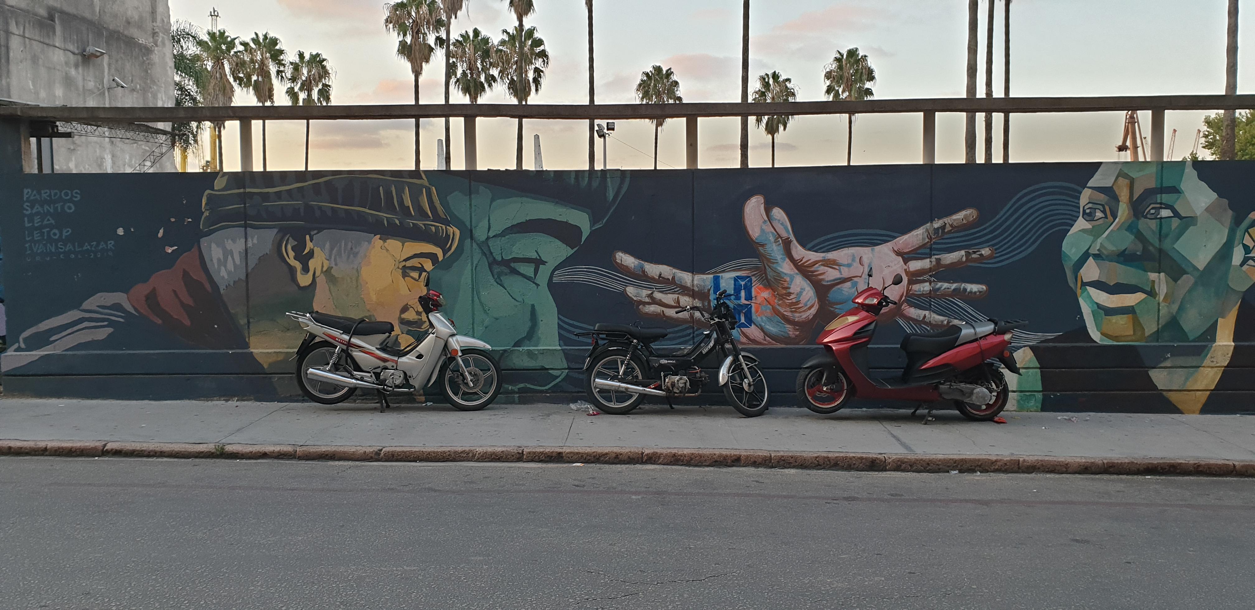Mur réalisé par Pardos, El Santo, LEA, Andres Letop, Ivan Salazar - 1- Montevideo - Uruguay 2020 - ©nofakeinmynews.com