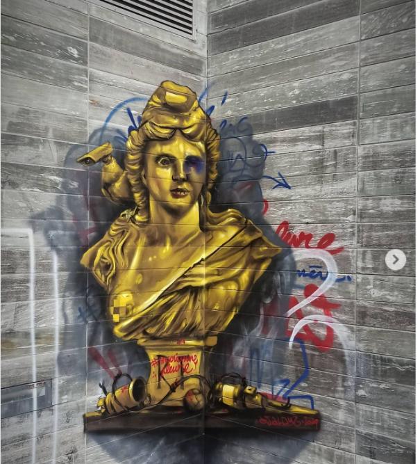 Buste de Marianne réalié par DJALOUZ - Image issue du compte instagram @djalouz